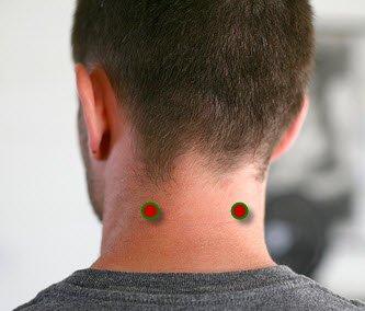 8 Potent Acupressure Points for Earache Treatment